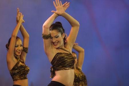 """现代舞""""一起跳舞"""""""